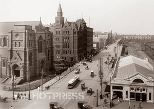 1913c Flinders Street intersection with Swanston Street