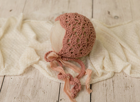 Antique Rose Bonnet