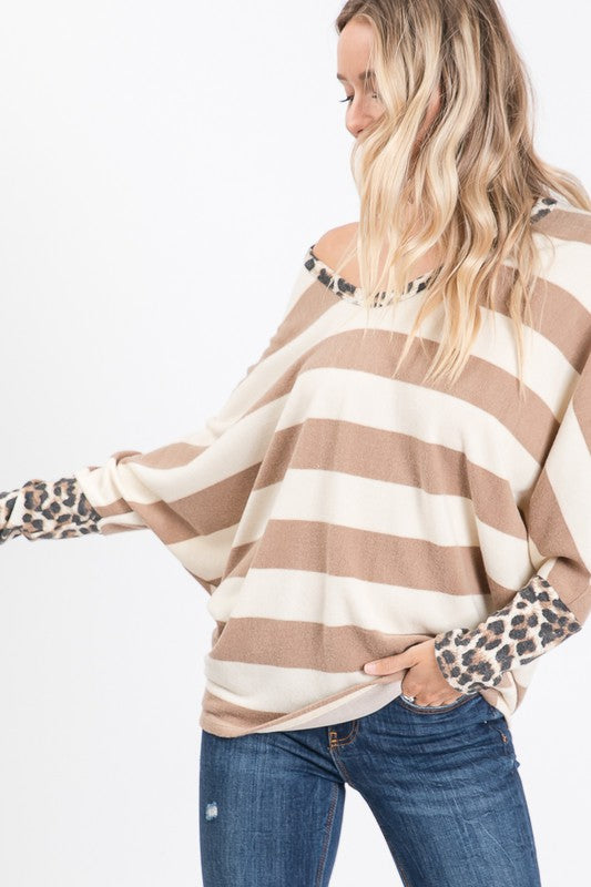 Adorb top with leopard detail