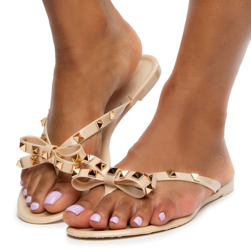jelly sandal with pyramid rockstuds | Nude