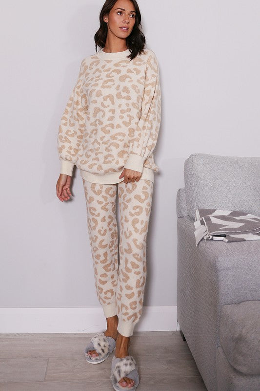 LEOPARD PATTERNED KNITTED TOP AND BOTTOM LOUNGE WEAR SET