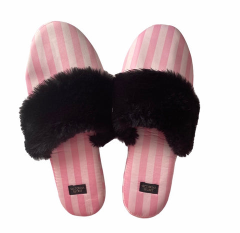 Pink slippers size 7/8 with bag