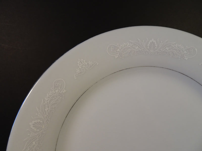 Crown Ming Royal Palm 10.5in Round Dinner Plate