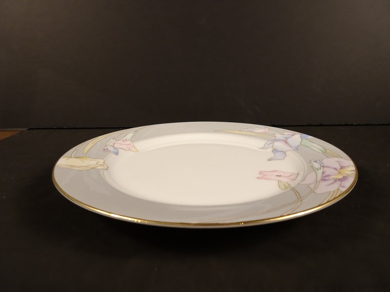 Mikasa Charisma Gray 7.5in Rimmed Salad Plate