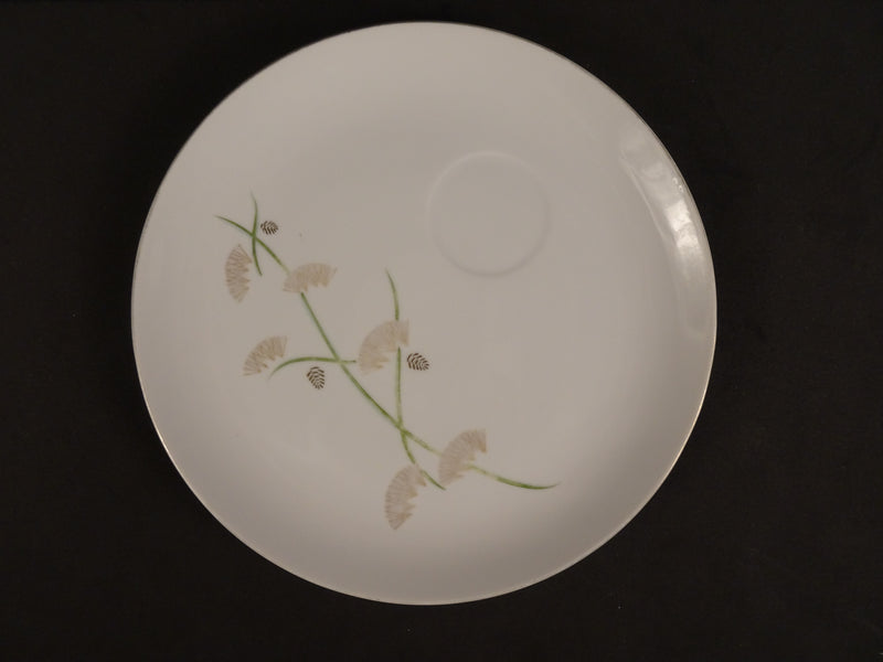 Gray Flowers with Green Stems on White 8.5in Coupe Snack Plate