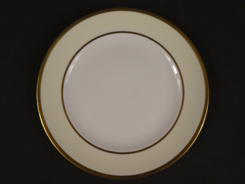 Pope-Gosser Coin Gold 8.5in Coupe Salad Plate