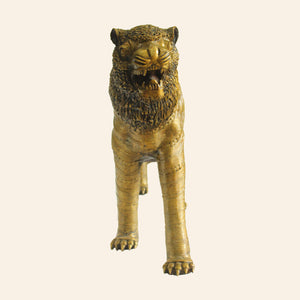 Lion, Large Statue of the Majestic Indian Lion