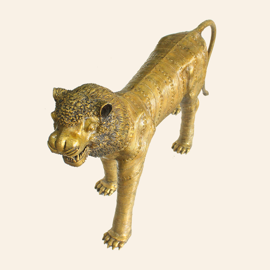 Bastar Tiger, Lion handcrafted using brass metal in bastar art, dhokra art.