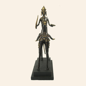 Man on horse statue handcrafted using brass metal in bastar art, dhokra art. front view