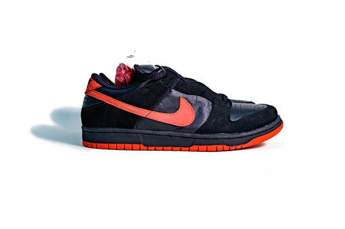 11 US - DS Nike Dunk SB Low True Red Vamps Black