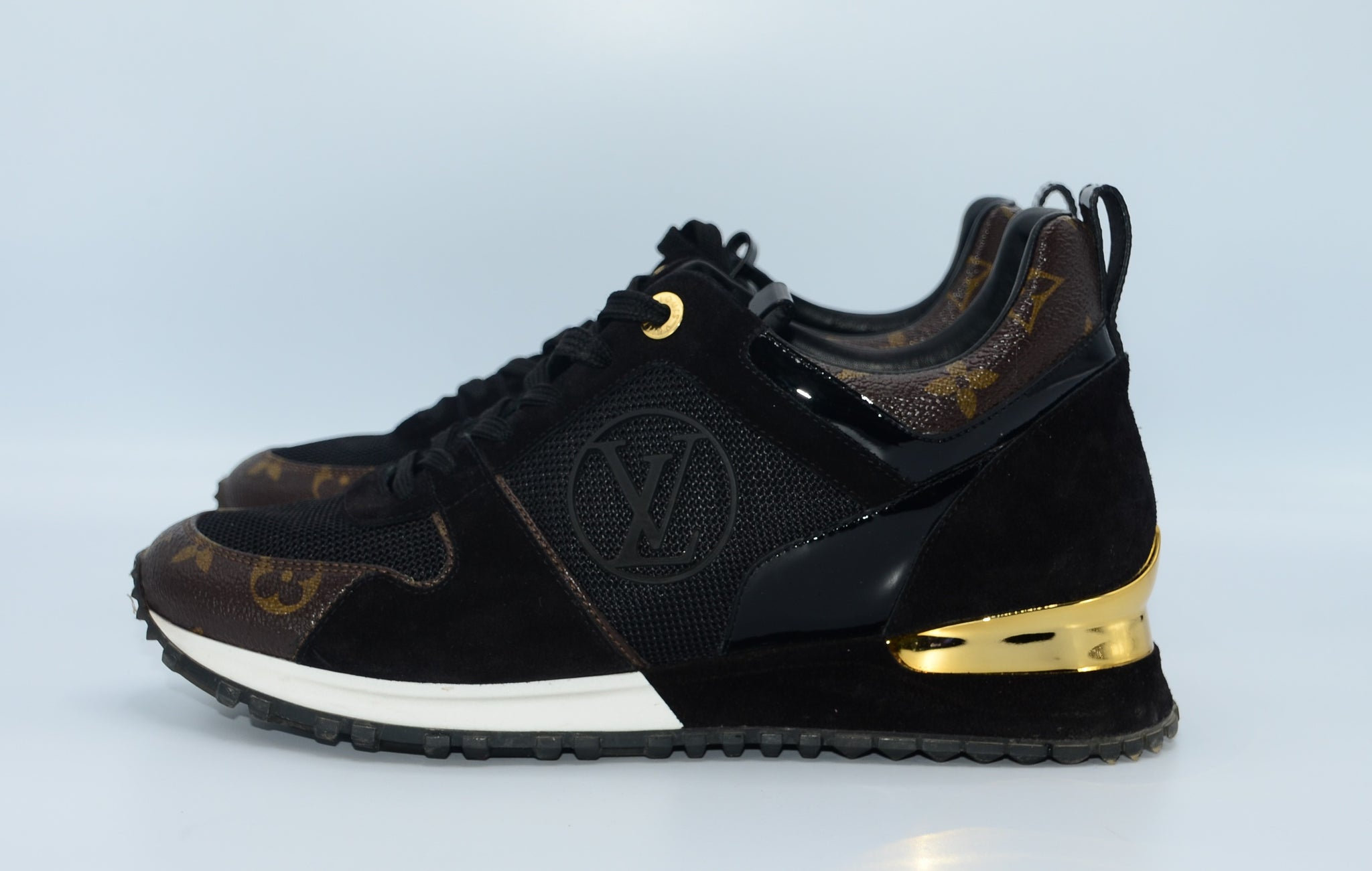 Louis Vuitton Run Away Sneaker 38