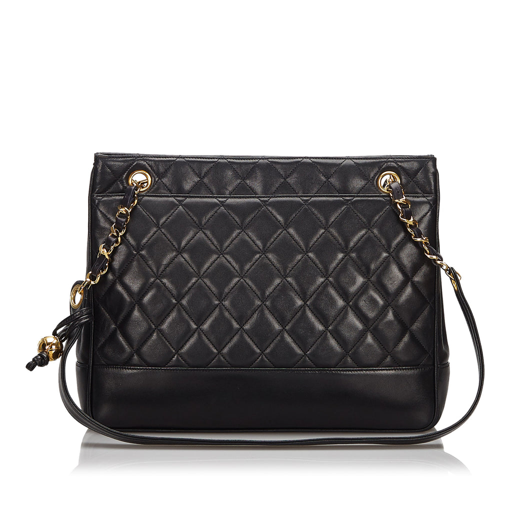 CHANEL Shoulderbag - Iconics Preloved Luxury