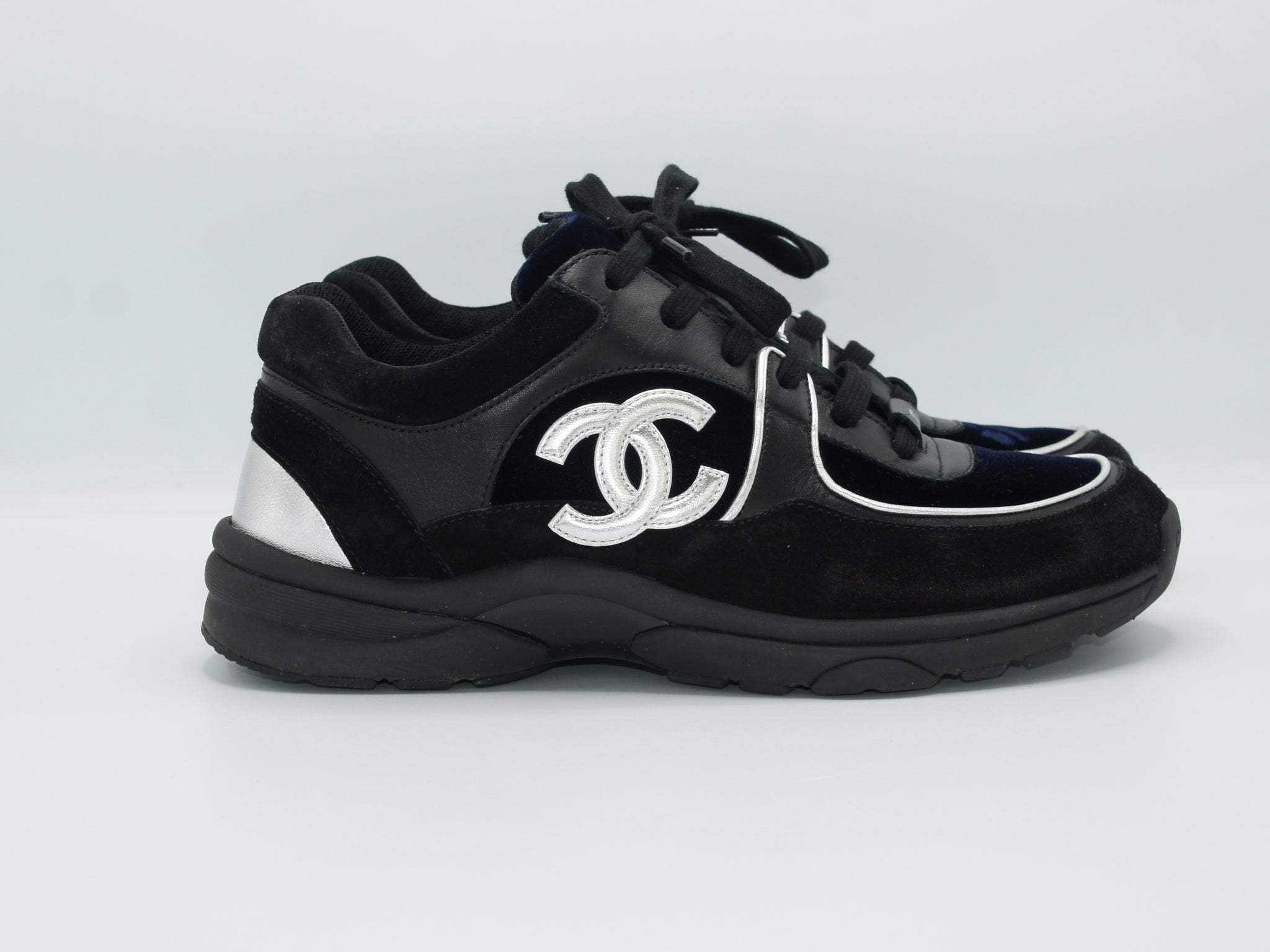Chanel Sneaker 39 - Iconics Preloved Luxury