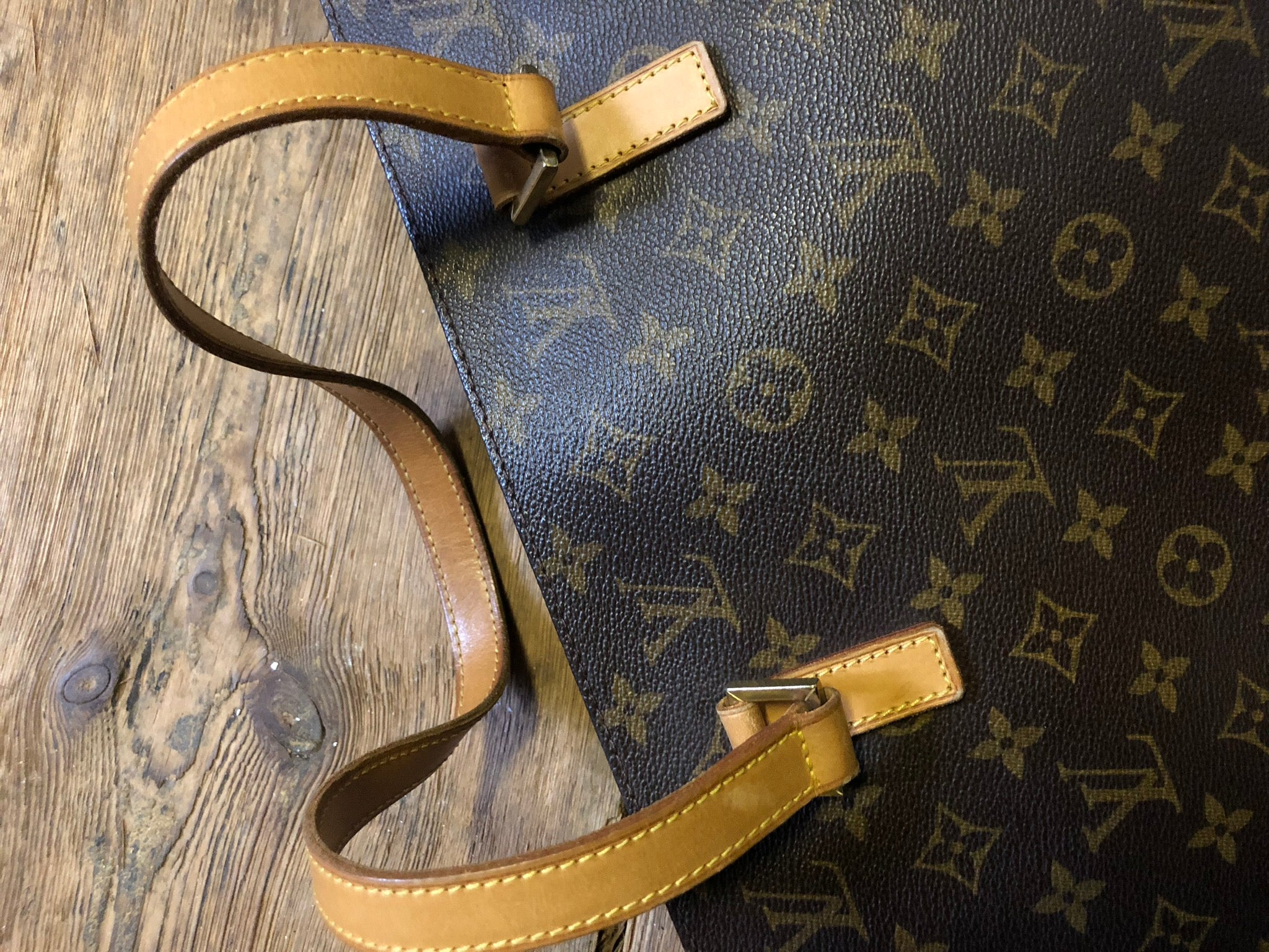 Louis Vuitton vintage Vivian - Iconics Preloved Luxury