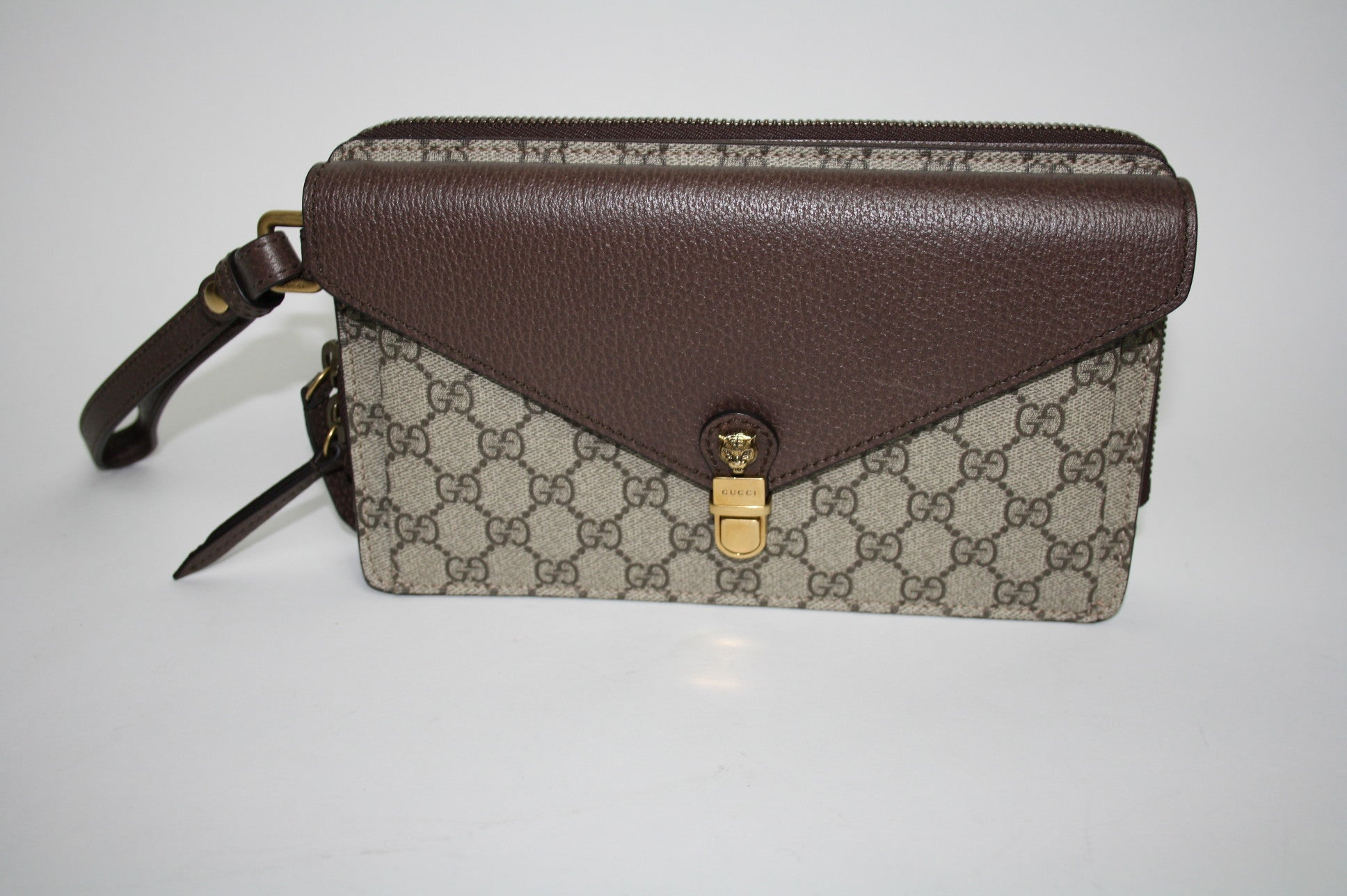 Gucci zip clutch bag - Iconics Preloved Luxury