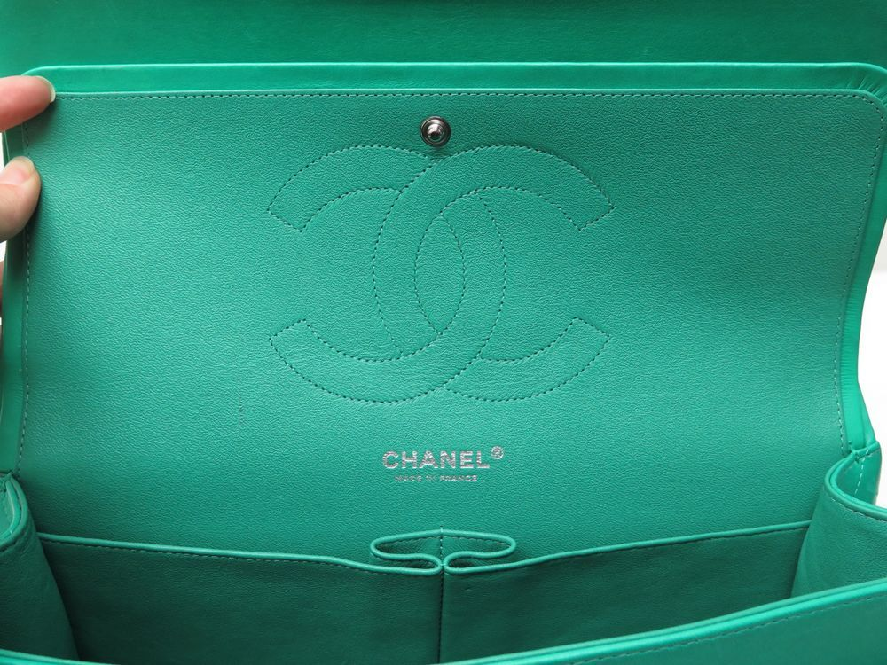 Chanel Classic Jumbo bag - Iconics Preloved Luxury