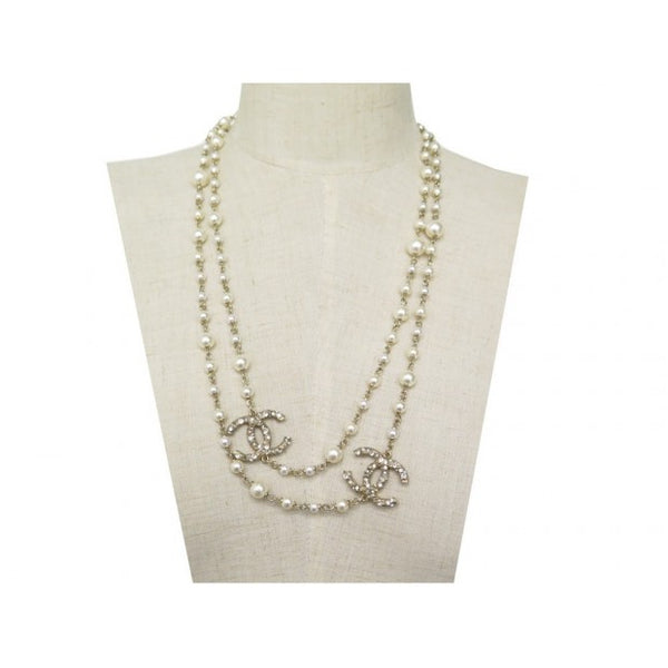 Chanel Necklace with pearls - Iconics Preloved Luxury