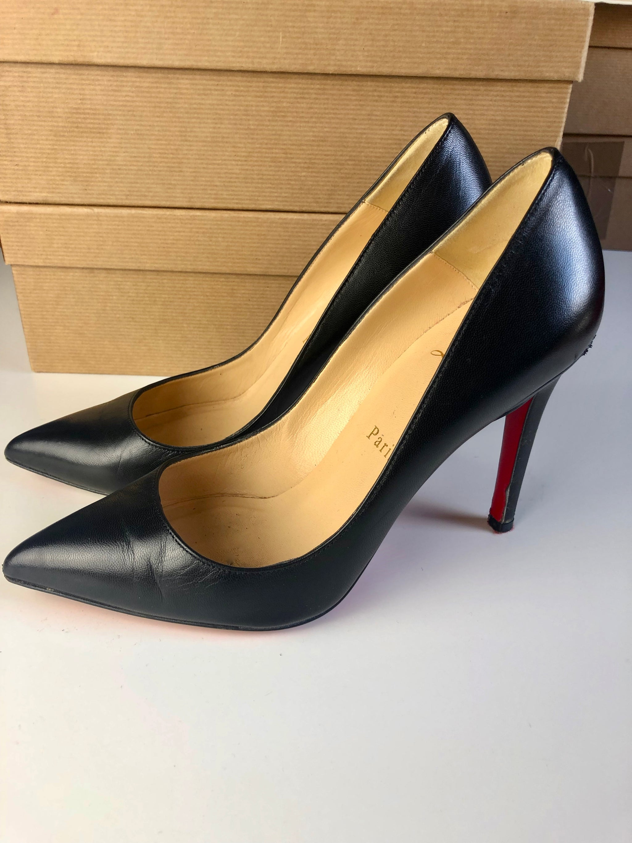 Christian Louboutin Pigalle 36,5 - Iconics Preloved Luxury