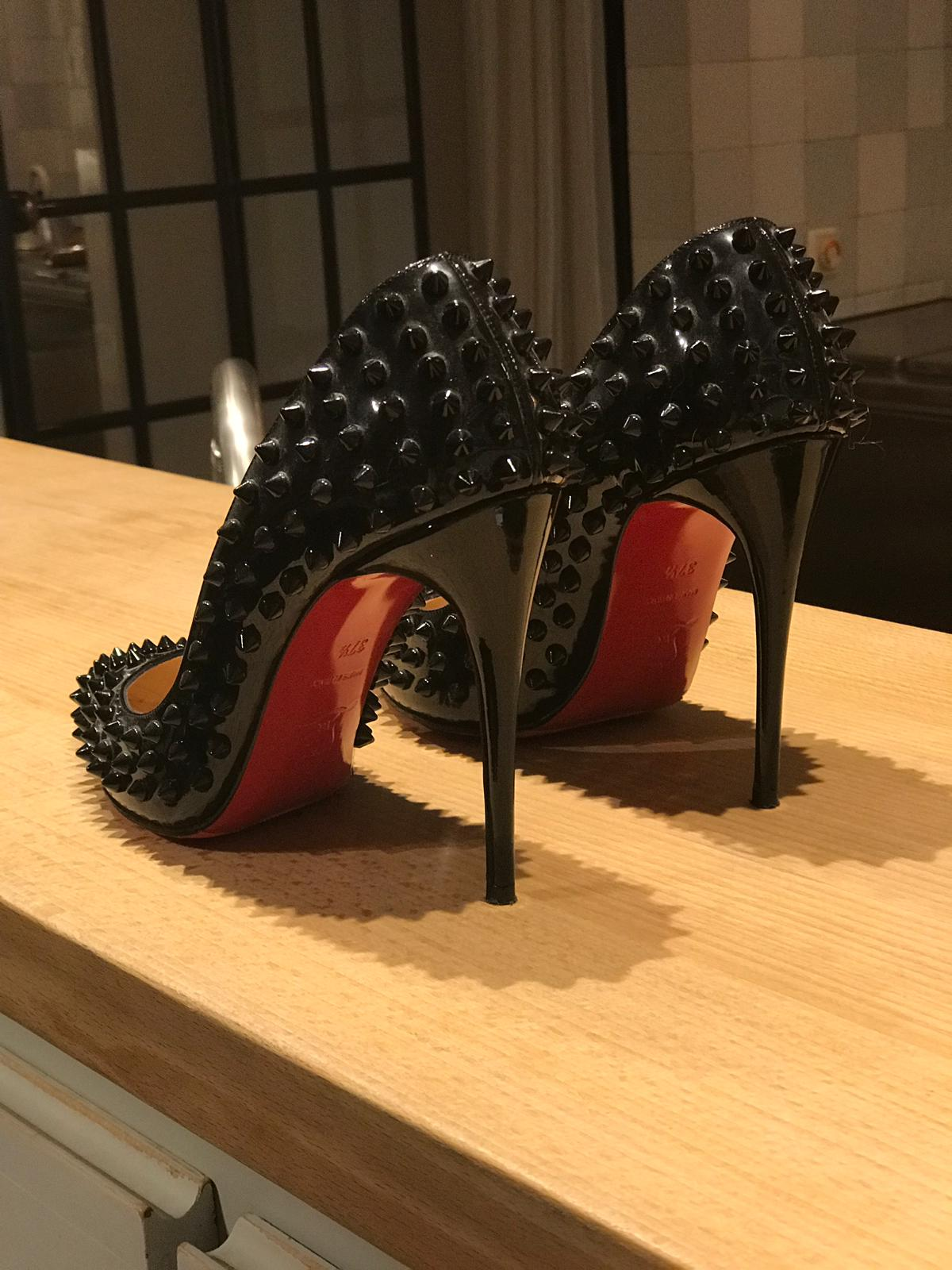 Christian Louboutin Pigalle Follies Spikes 37,5 - Iconics Preloved Luxury