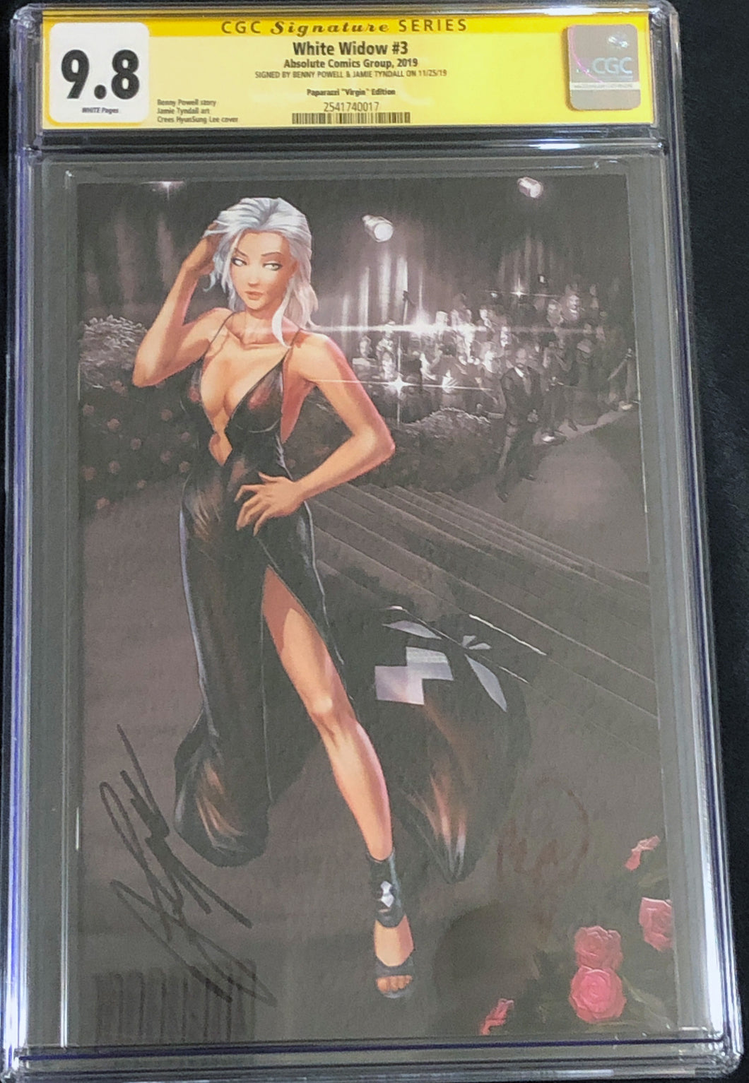White Widow #3L 9.8 CGC Yellow Label - Paparazzi Virgin - Signed