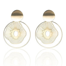 Load image into Gallery viewer, Corydon Earrings