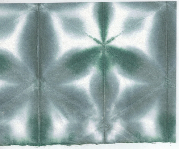 Itajime Shibori Flower - Gray Forest