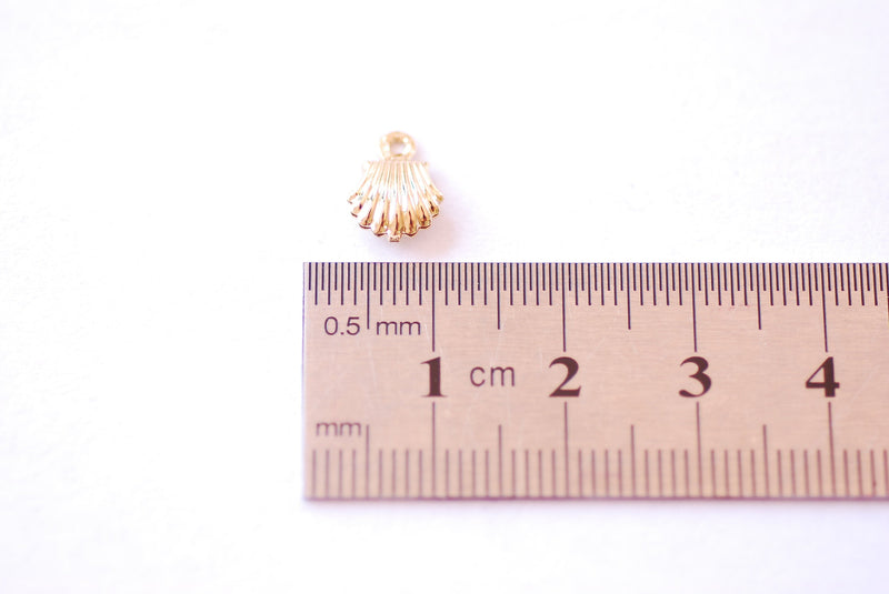 Seashell Gold Charm - 16k Gold Plated over Brass Sea Shell Beach Ocean Nautical Pearl Oyster Conch Clam HarperCrown Wholesale B190 - HarperCrown