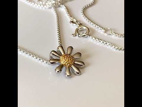 Silver Daisy Necklace 13mm