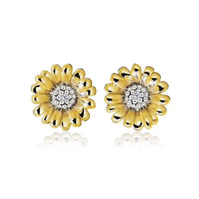 Perfectly Sculptured 9ct Yellow Gold Daisy Earrings. Ref: AEGE3001 - Paul Wright Jewellery