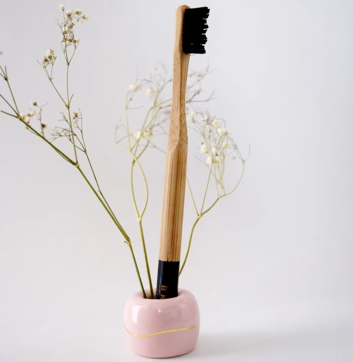 Toothbrush holder - Bkind - LittlePlasticFootprint