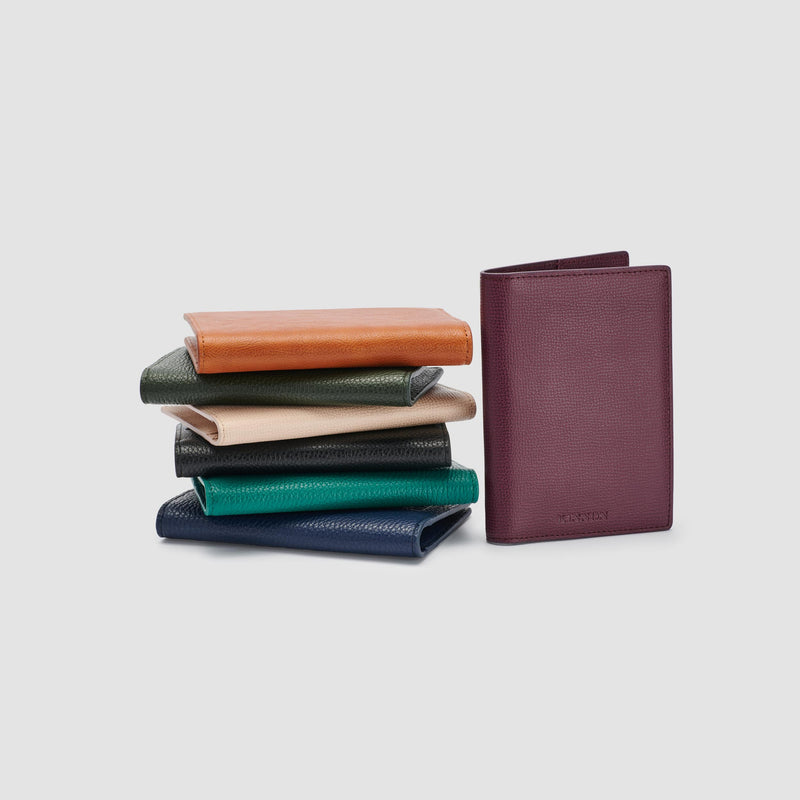 EARLE PASSPORT HOLDER - CARAMEL