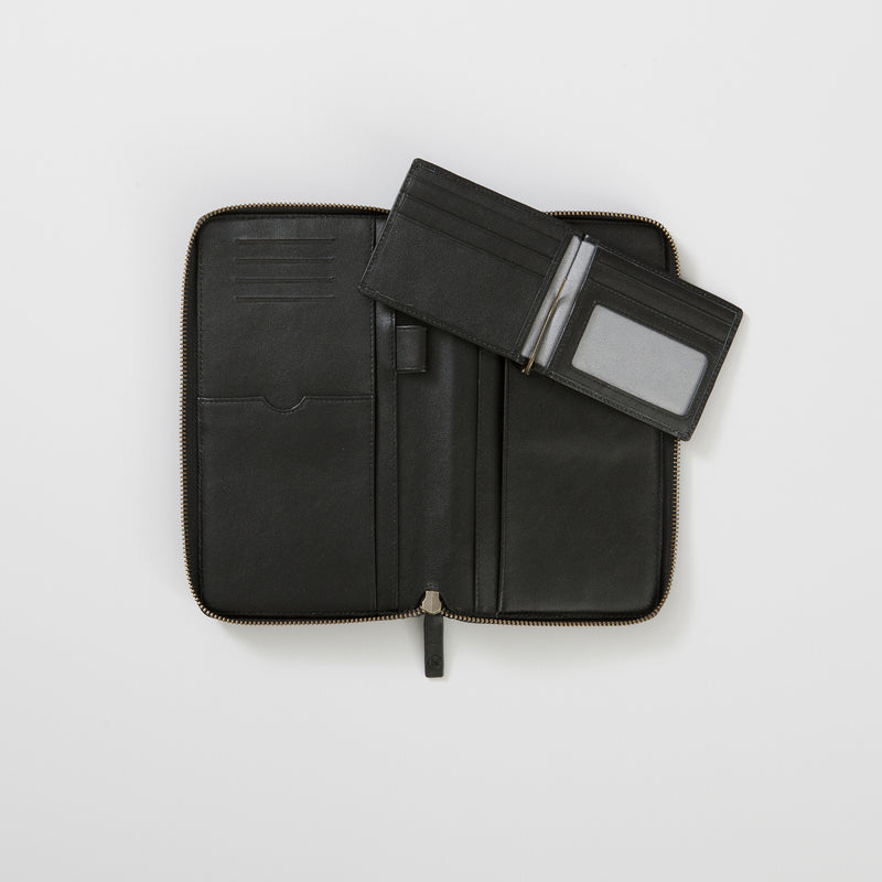 BURTON TRAVEL WALLET - BLACK