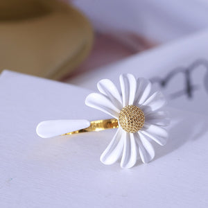 """DAISY"" RING + EARRINGS"