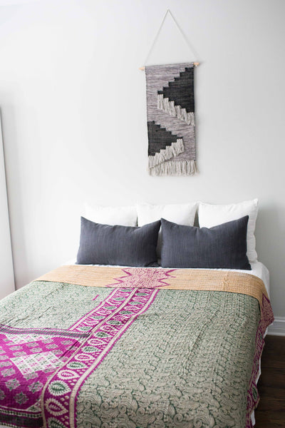 There is a Season Coverlet No. 540