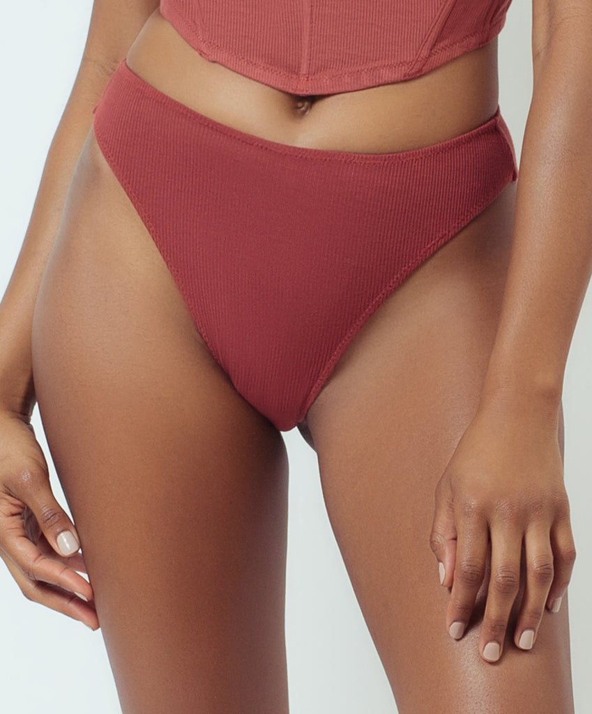 HIGH LEG BRIEF- RED VELVET CAKE