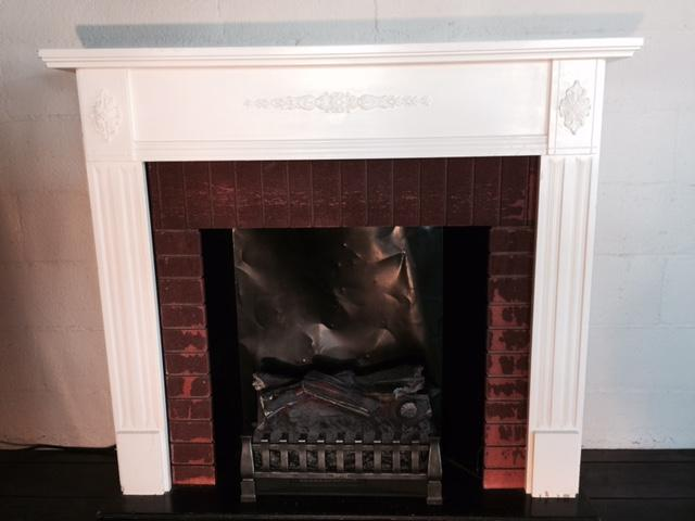 Fireplace Mantle White W/Heat