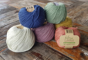 bundle-of-yarns-in-different-colors
