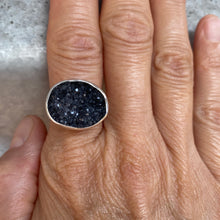Load image into Gallery viewer, druzy quartz tulip ring
