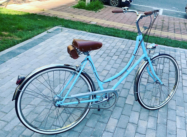 Lake blue UK Sturmey-Archer 3-speed retro bike casual city ladies bicycle with basket