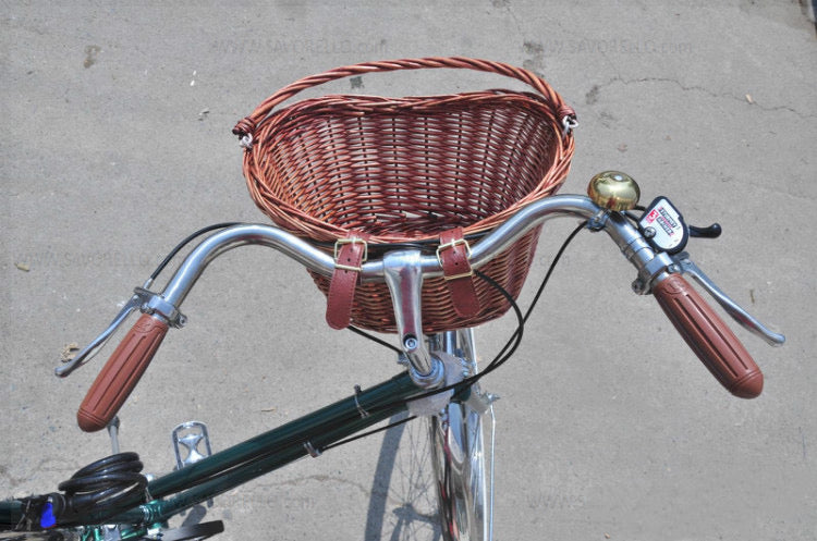 Uk style vintage rattan baskets hanging on the handlebars basket