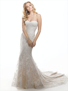 "Maggie Sottero ""Chesney"", Salon Sample"
