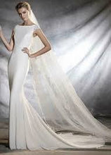 "Load image into Gallery viewer, Pronovias ""Orsala"", Salon Sample"