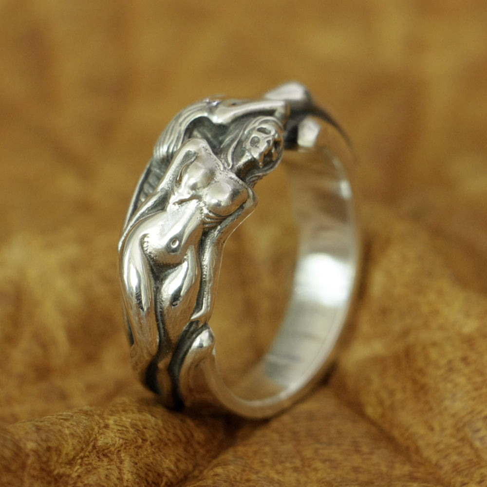 Be Authentic Skull Ring Mens (Silver Handicraft) - Smelloncollie