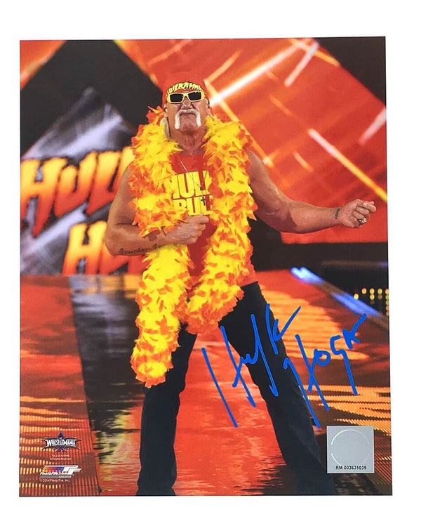 Hulk Hogan Signed Hogan Boa 8x10