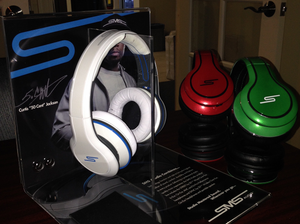 Headphone Stand w/Picture Insert AUTOGRAPHED By 50!
