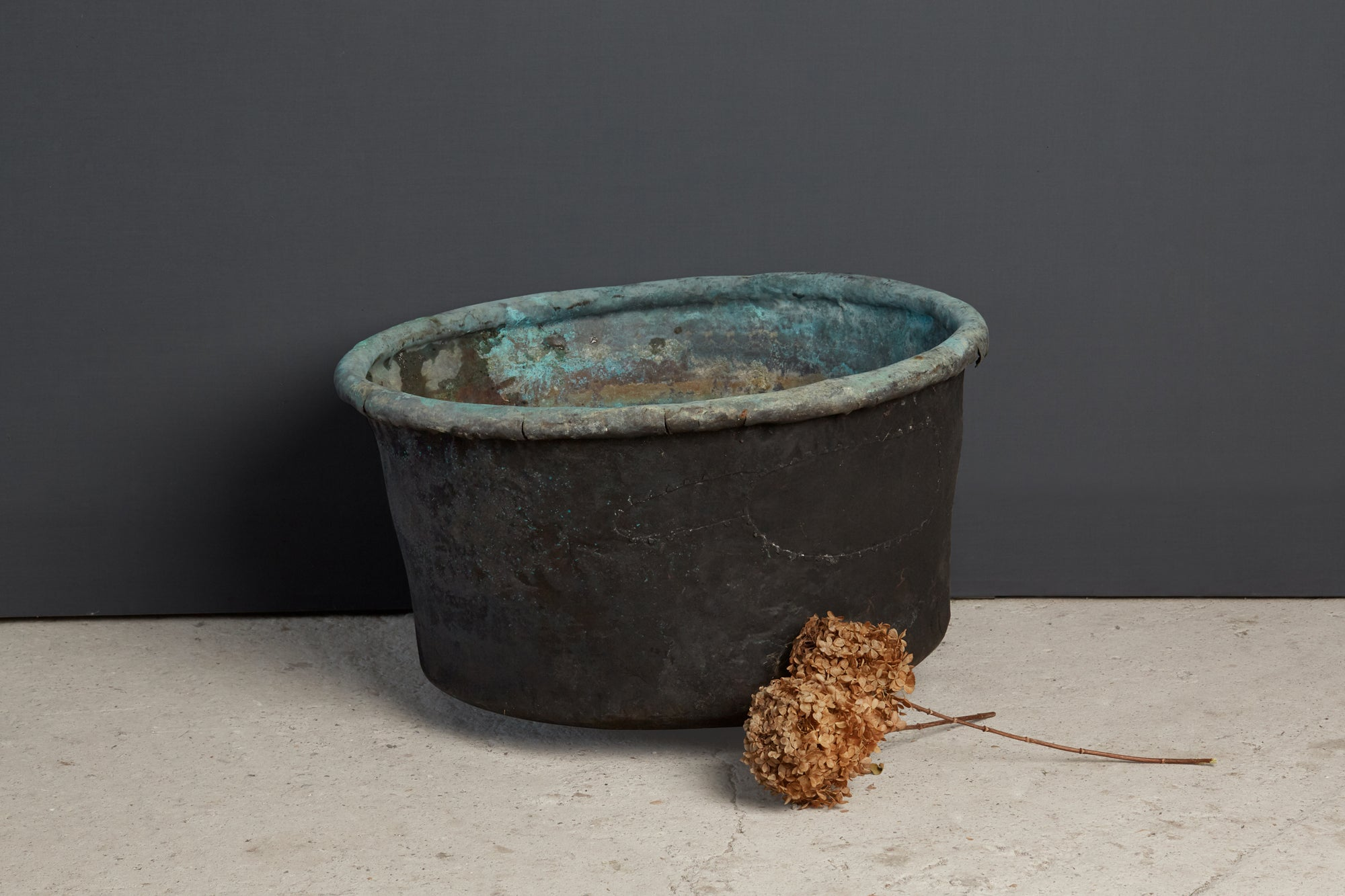 Early 19th Century French Copper Pot with Rolled Rim