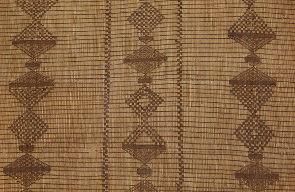 Early Tuareg Mat with Steppped Diamond Motif .............. (6'7'' x 9'3'')
