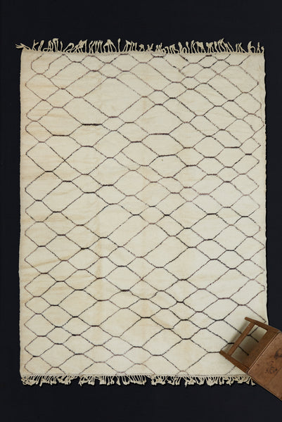 Large Cream Colored Beni Ourain with Floating Diamond Field  ...................... (9' 4'' x 11' 10'')