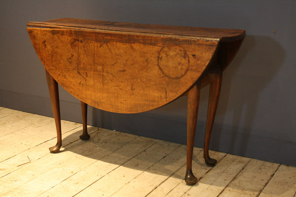 18th Century New England Dropleaf Queen Anne Table