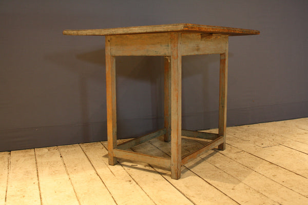 18th Century New England Country Stand